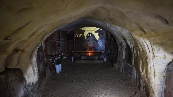 Успенский пещерный храм Свято-Успенского Псково-Печерского монастыря