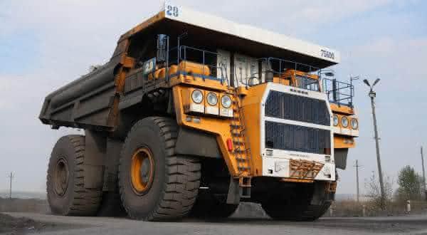 Belaz 75600 entre os maiores caminhoes de mineracao do mundo
