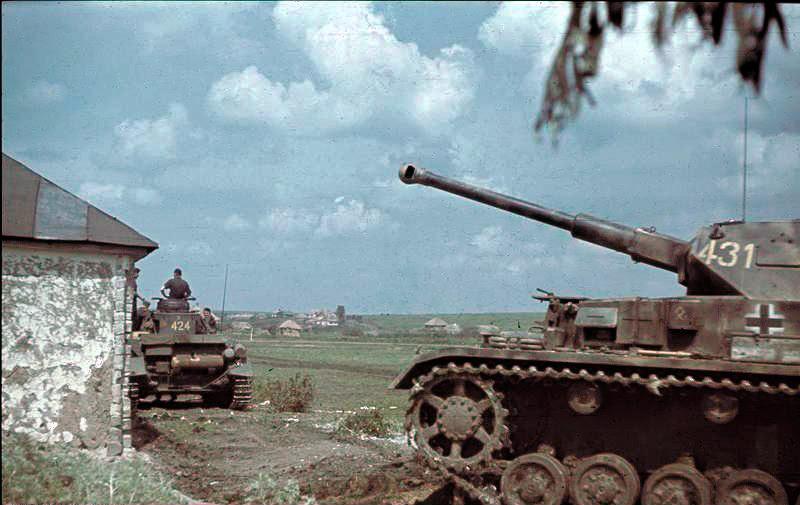 File:Bundesarchiv Bild 169-0084, Russland, Panzer IV.jpg