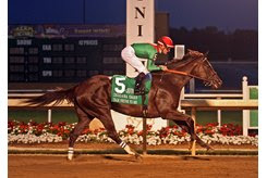 Talk Veuve to Me wins the Indiana Oaks at Indiana Grand
