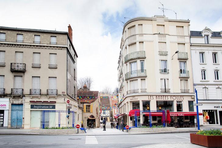 La rive droite de la ville de Montluçon (Allier). / Marielsa NIELS/Hans Lucas/pour la Croix