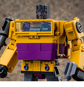 THIRD PARTY TRANSFORMING FIGURES & ACCESSORIES