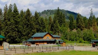 Private Airplane Hanger, Heated Barn, & Indoor/Outdoor Arenas – Crown Creek Ranch
