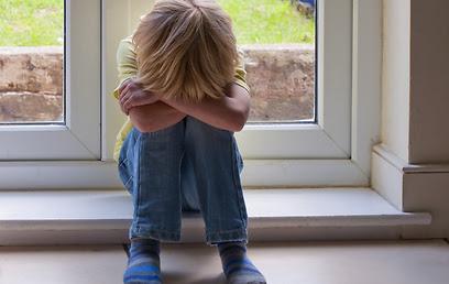 ילד שסובל מחרדה חברתית לא יבקש עזרה (צילום: shutterstock)