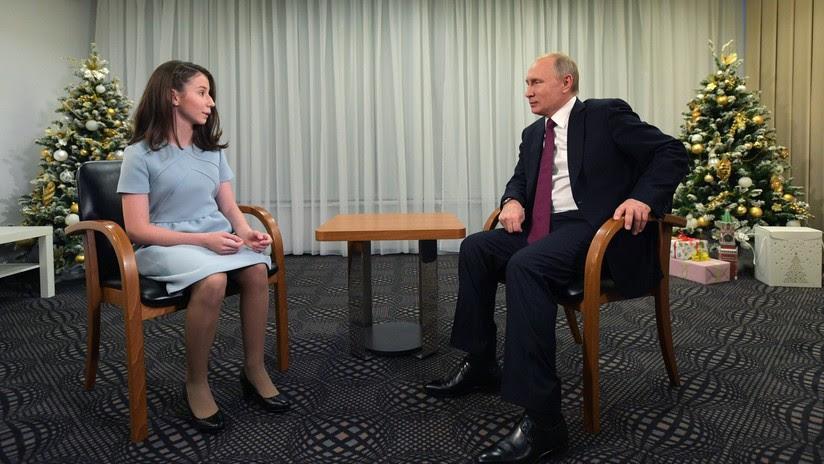 Una joven cumple su sueño y habla con Putin sobre su vida, el 'heavy metal' y el regalo que desea