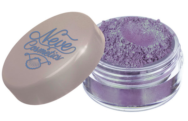 Sister of Pearls Neve Cosmetics