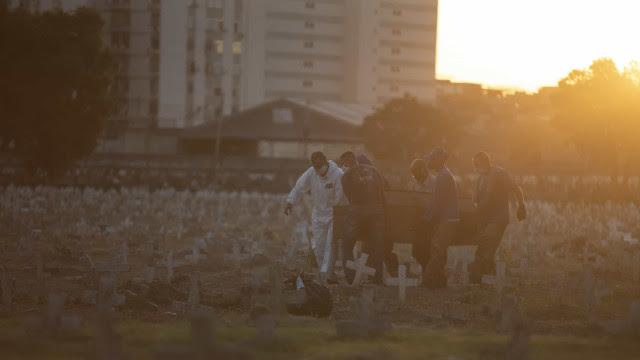 Brasil registra 615 mortes pela covid nas últimas 24h; média móvel segue em queda