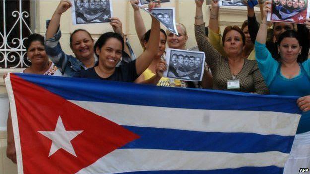 古巴民眾歡迎美國釋放多位古巴知名囚犯。