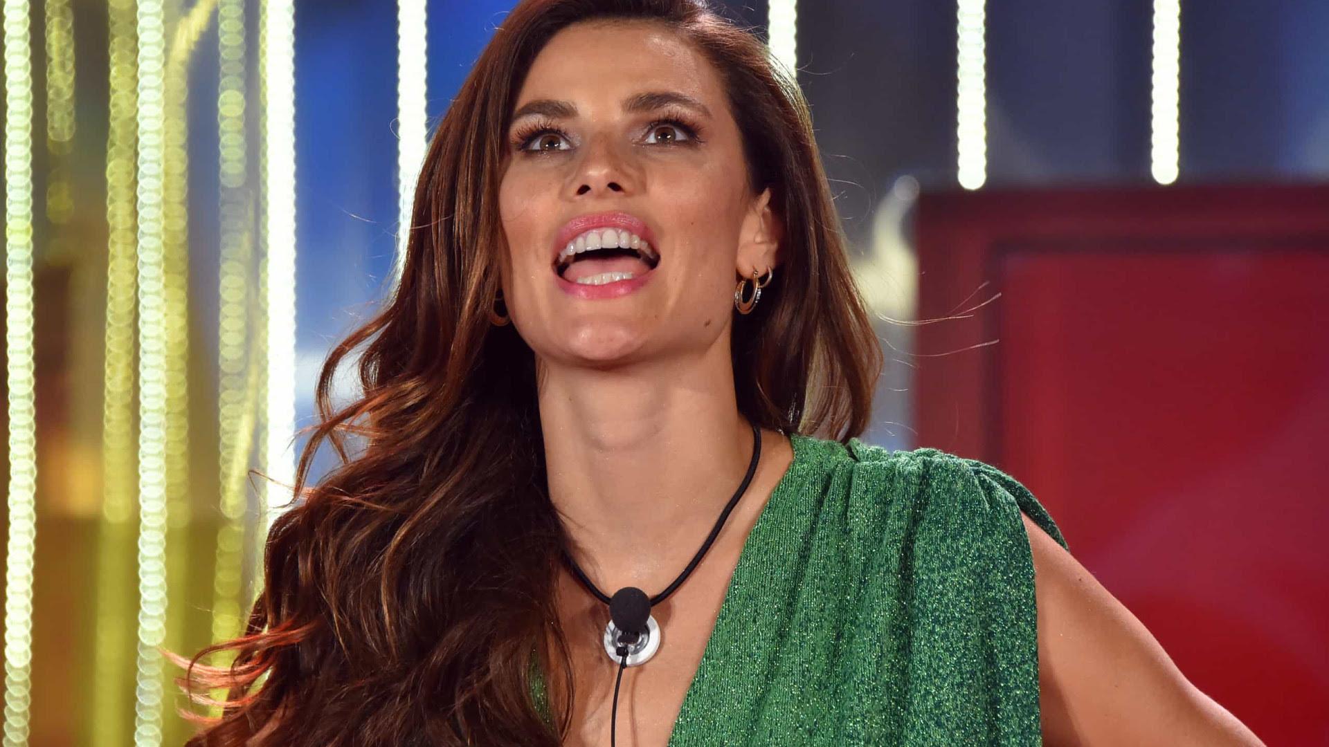 Brasileira Dayane Mello é criticada após assumir bissexualidade no Big Brother italiano