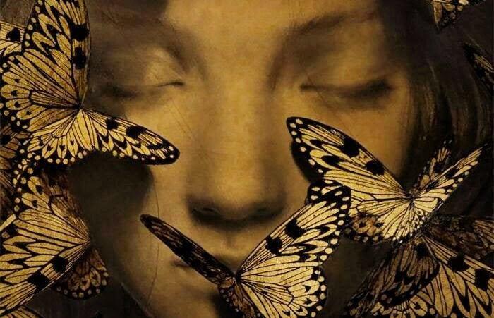 Cara con mariposas, proceso de renovación de la muerte