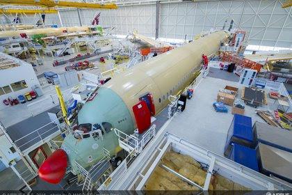 Hangar con Airbus A350