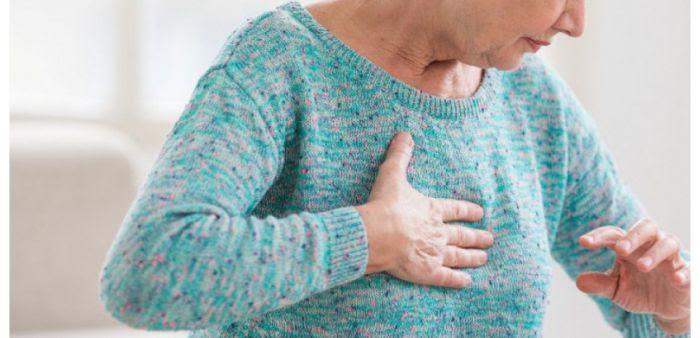 La douleur thoracique survient en général à l'occasion d'un effort, de la digestion ou d'une émotion, des moments où le cœur nécessite davantage d'oxygène.