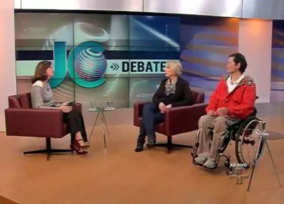 A jornalista Andresa Boni entrevista Ana Paula Peguim e Ricardo Shimosakai para falar do empreendedorismo da pessoa com deficiência