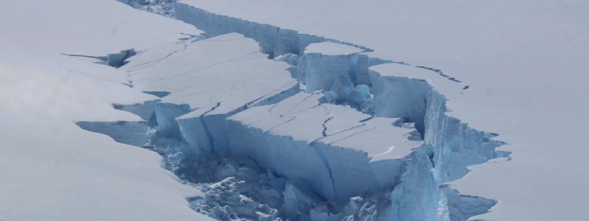 L\'iceberg Larsen C se décroche de l\'Antarctique, en         février 2017.