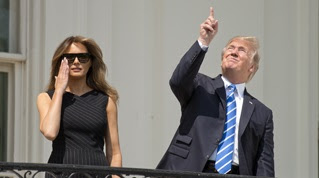 VIDEO. Douze mois de Donald Trump à la Maison Blanche en 12 séquences