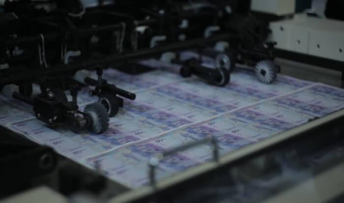 10.3-dinero-prestamo-bancos-riesgo-lucia-montoya