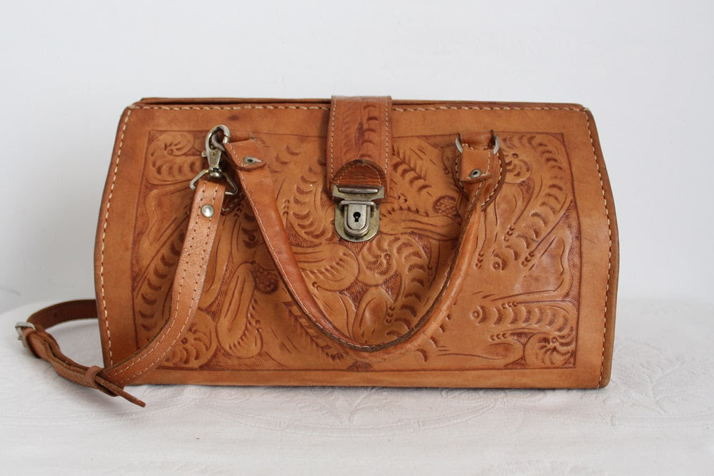 VINTAGE TOOLED GENUINE LEATHER TAN LARGE BAG