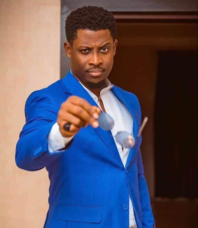 Seyi bags endorsement deal