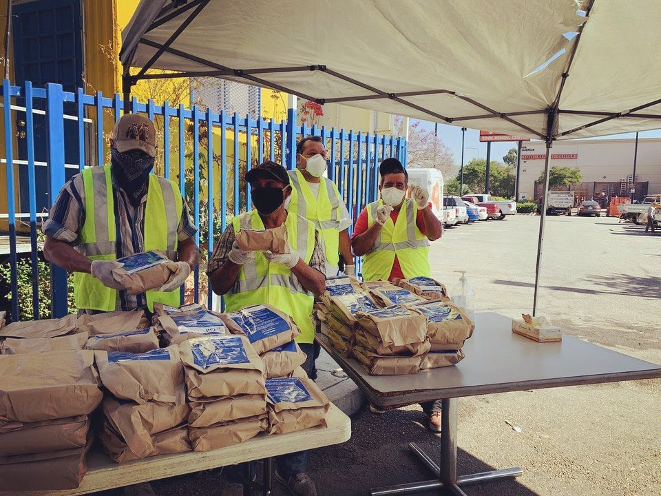IDEPSCA and Antigua Restaurant Distributed meals at Cypress Park Day Labor Center 5-8-2020 #1