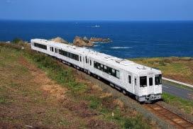 東北エモーション1_©︎East Japan Railway Company