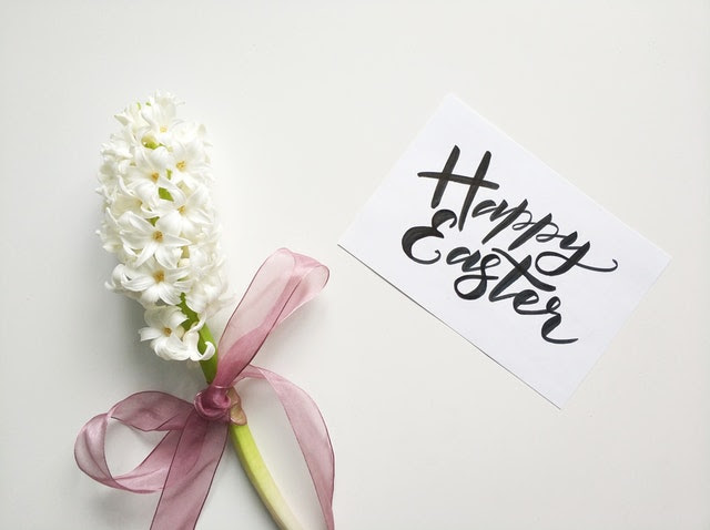 Happy Easter and flowers