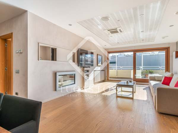 350m² Penthouse with 65m² terrace for sale in Gràcia