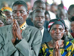 Congolese Christians praying. Source: Steve Evans licensed under CC BY 2.0