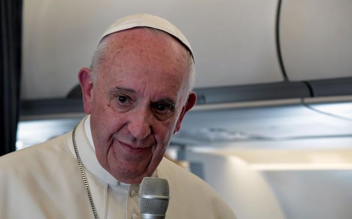 """""""En su primer editorial en """"L'Osservatore Romano"""", el 20 de diciembre, el nuevo director responsable, Andrea Monda, escribió que quería dar voz a una Iglesia """"extranjera"""". Adjetivo típicamente bergogliano"""" (AFP)"""