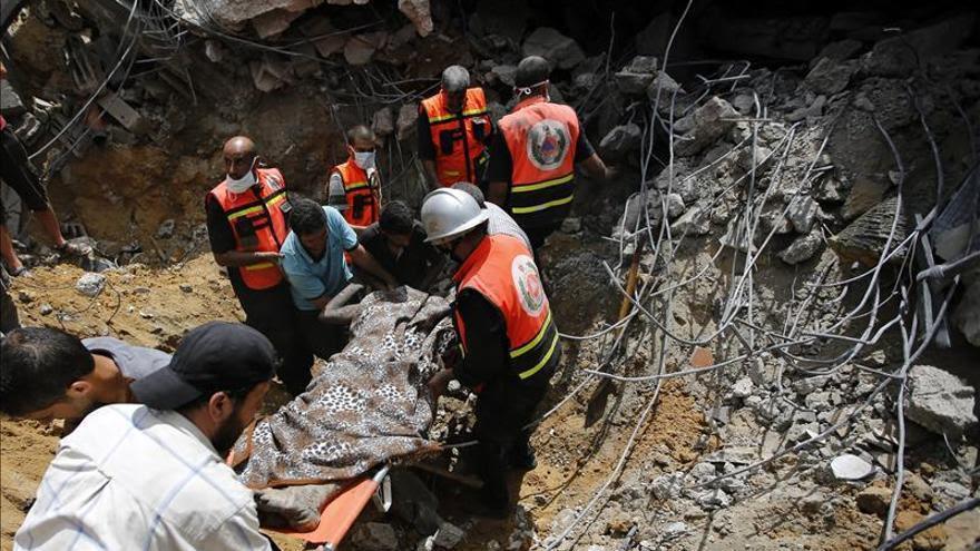 Doce muertos en un bombardeo israelí sobre un edificio de viviendas en Gaza antes de la tregua