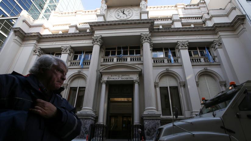 La bolsa de argentina se derrumba 10,45 % tras la asunción del nuevo ministro de Hacienda