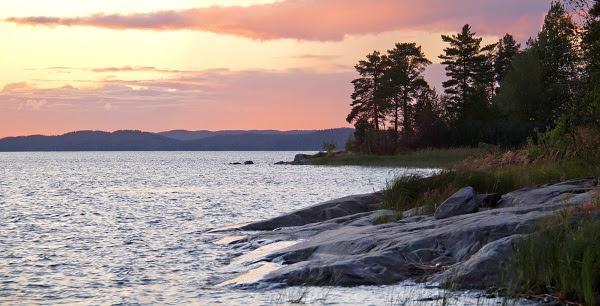 Шхеры — группа лобастых каменистых островков, разделённых проливами