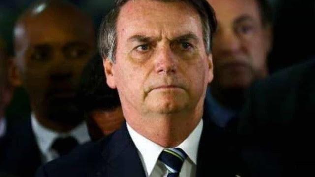 Bolsonaro volta a contrariar medidas de isolamento e causa aglomeração