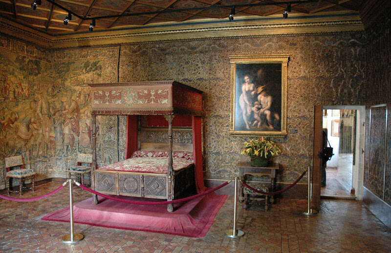 1280px-ChenonceauCatherinedeMedicisRoom.jpg