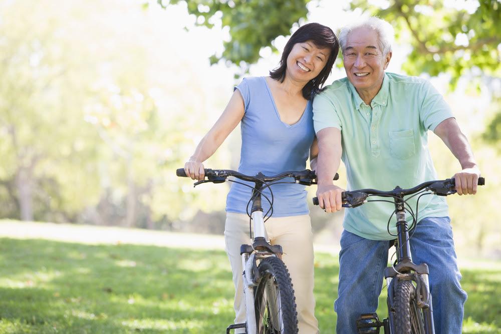 Vui vẻ lạc quan, yêu đời trong mọi hoàn cảnh sẽ giúp mình sống thọ, sống vui hơn.