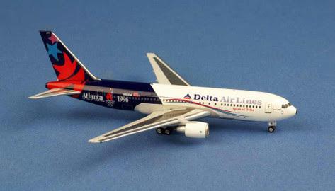 Boeing 767-200 Delta Airlines N102DA,'ATLANTA 1996' | is due: August 2019