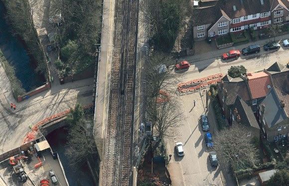 Railway neighbours invited to Catford community meeting as Network Rail prepares to replace Victorian bridge