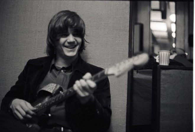 Image of Steve Miller playing guitar