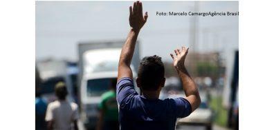Caminhoneiros prometem greve para terça-feira