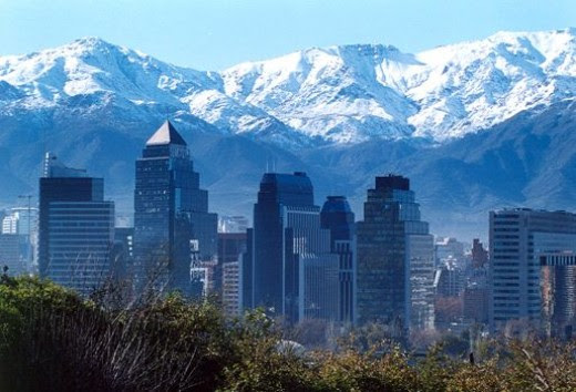 The proximity of Santiago with the Andes Mountain Range causes a beautiful contrast