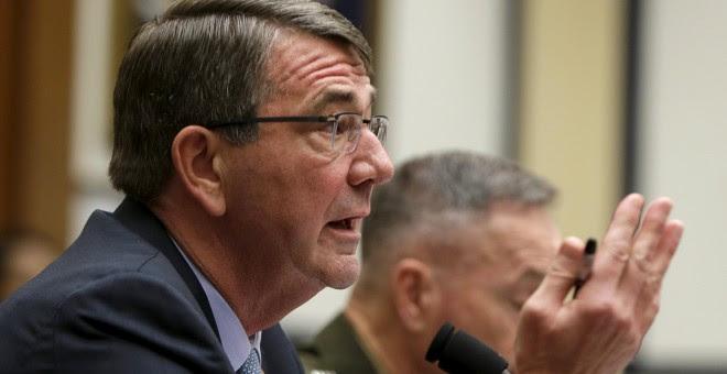 El secretario de Estado de Defensa de EEUU, Ash Carter, durante su comparecencia de este martes. REUTERS/Gary Cameron