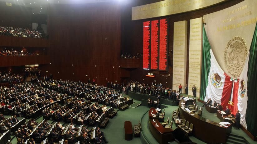 Diputada recibe noticia del asesinato de su hija durante sesión parlamentaria en México (VIDEO)