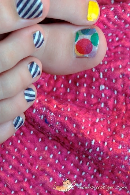 Give yourself a washi tape pedicure.