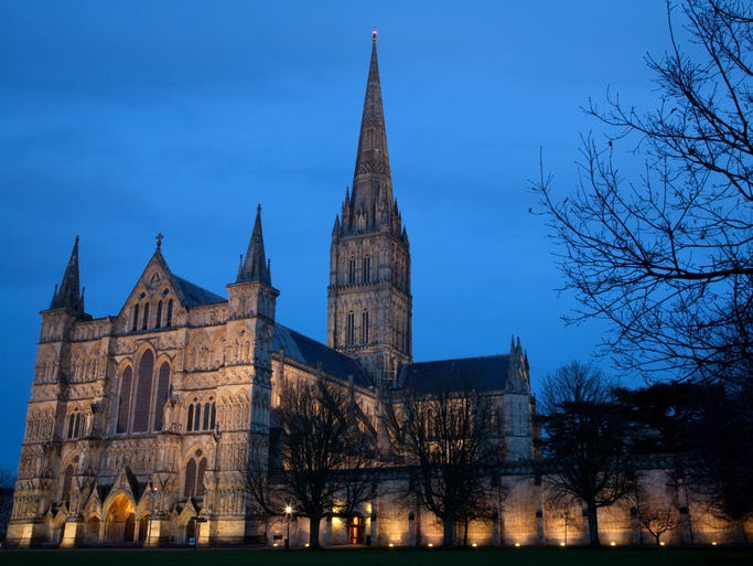 One of                                                           Britain's                                                           finest                                                           medieval                                                           churches,                                                           Salisbury                                                           Cathedral is                                                           home to                                                           Britain's                                                           tallest spire                                                             and to the                                                           original copy                                                           of the Magna                                                           Carta.