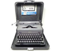 NICE RARE Vintage 1940s Royal Arrow Manual Portable Typewriter in Carrying Case+