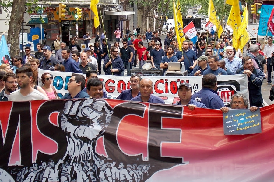 Los trabajadores de las empresas públicas paralizarán el martes 8 sus actividades durante 24 horas