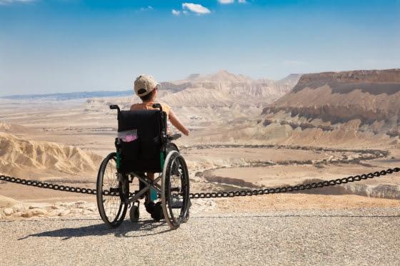 Encontrando formas de viver emocional e independentemente com deficiências.