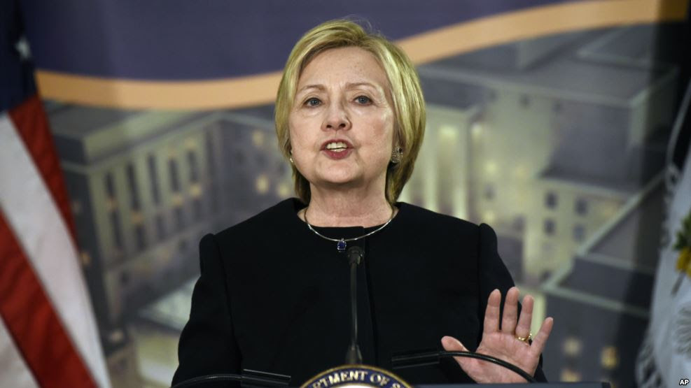 Clinton: Retiro de reforma sanitaria es una victoria para los Estados Unidos