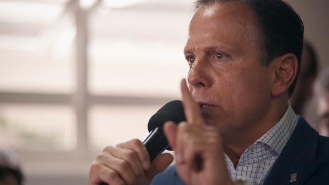 Doria diz que governadores devem endurecer restrições contra Covid-19 no vácuo do governo federal