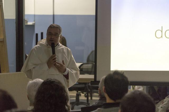http://www.periodistadigital.com/imagenes/2016/12/14/el-provincial-de-los-dominicos-jesus-diaz-sariego-explica-su-nueva-web.jpg