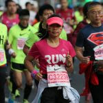 Des participants du marathon international de Shanghai le 30 octobre 2016. (Crédits : qnb / Imaginechina / via AFP)